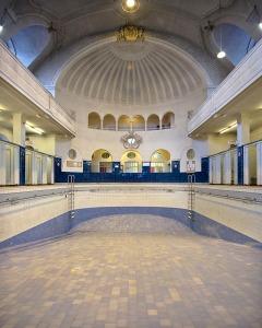 Les bains de Strasbourg (67) architecture photographie arnaud chochon piscine vide france
