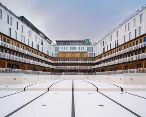 Piscine Molitor Paris architecture photographie arnaud chochon piscine vide france